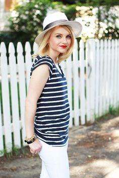 Blogger Poor Little It Girl dresses comfy-chic in a Gap striped tee.
