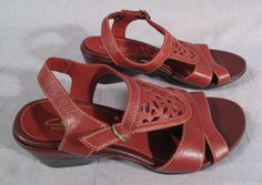 Women's Clarks Bendables Sandals Red Size 6.5 M Ankle Strap Leather Medium #Clarks #AnkleStrap