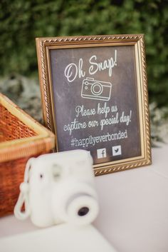 Polaroid guestbook sign | Image by Shaun Menary Photography