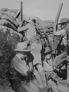 Thousands of identified photos, obituaries & service records of First World War officers, soldiers, sailors, nurses, airmen and civilian workers available. Now over 40,000 items from World War 1 Rolls Of Honour & original publications available to download, with 440 new names added in Jan 2014.