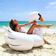 1.5M 60 Inch PVC White Giant Rideable Swan Inflatable Float Toy Pool Swim Ring Holiday Water Lounge Fun Pool Toys