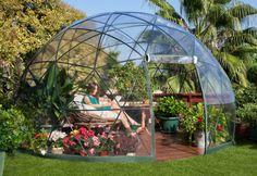 Para cubrir una terraza o jardín tenemos varias opciones como por ejemplo estructuras de madera en forma de pérgolas o incluso simples sombrillas de linos, pero comprar o hacer un domo se presenta …