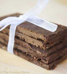 Clean Eating Chocolate Bars - Made w/ cocoa powder and doesn't use white sugar!