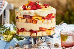 Lemon and peach trifle Christmas Lunch, Christmas Desserts, Christmas Recipes, Christmas Trifle, Xmas Dinner, Christmas Breakfast, Peach Trifle, Lemon Trifle, Summer Trifle