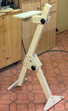 Multifunktions Werkstatthocker und Stehhilfe / Werkstatttipps / Lesergalerie - Holzwerken Workshop Stool, Diy Workshop, Woodworking Furniture, Diy Furniture, Woodworking Projects, Wooden Workshops, Wood Jig, Diy Stool, Wood Joinery