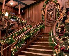Branson Titanic - World's Largest Museum Attraction, grand staircase