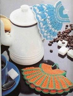 Magic Crochet Nº 33 - Edivana - Picasa Web Album Filet Crochet, Crochet Chart, Crochet Motif, Crochet Doilies, Knit Crochet, Crochet Patterns, Vintage Potholders, Crochet Potholders, Crochet Kitchen