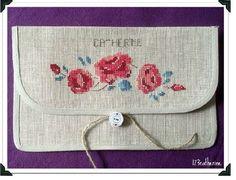 Pochette Courcelles 1 2 3 Catherine - Photo de Fleurs de Digoin à broder et à coudre - au Fil rouge