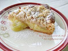 Ancora una torta con la frutta in particolare l'uva che è buonissima ora!La particolarità è l'aggiunta del crumble che rende la torta speciale!La cucina di ASI