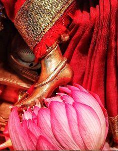 Lotus feet of Ambe Bhavani maa, Jai maa Durga 🙏🙏🙏 Shiva Parvati Images, Durga Images, Shiva Shakti, Lord Durga, Durga Maa, Lord Krishna, Radha Krishna Photo, Radhe Krishna, Indian Goddess Kali
