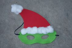I am one of the room moms for my son's 3rd grade class. I thought it would be fun to give the hour long party a theme. We came up with the Grinch, and I couldn't be more excited. My kids have wat...