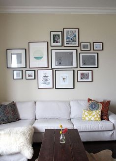 Wall gallery above couch collage 46 Ideas for 2019 Frame Wall Collage, Frames On Wall, Framed Art, Wall Art, Art Frames, Frames Ideas, Wood Frames, Inspiration Wand, Gallery Wall Layout