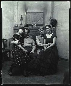 "Exhibition: 'Face to Face: Portraits of Artists' at the Philadelphia Museum of Art."" Photo: Peter A. Juley & Son (American) 'Diego Rivera and Frida Kahlo with Lucile and Arnold Blanch at Coyoacán' c. Frida E Diego, Diego Rivera Frida Kahlo, Frida Art, Portraits Victoriens, Philadelphia Museum Of Art, Mexican Artists, Mo S, Held, Mexico City"