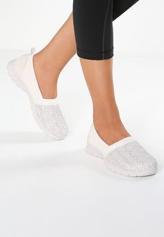Bestill Skechers ACTIVE EZ FLEX 3.0 - Slippers - natural for kr 559,00 (22.07.17) med gratis frakt på Zalando.no