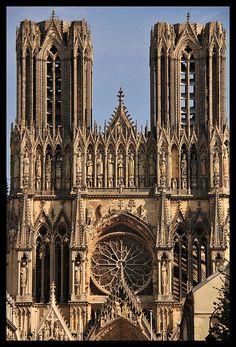 architecture in the middle ages chartres cathedral essay Chartres cathedral (1194-1250): history and architecture of french gothic basilica.