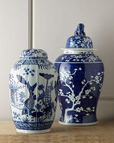 -4T3V Vintage Blue & White Porcelains