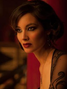 Interview: Bond Girl Bérénice Marlohe Talks Her Beauty Look for Skyfall and Graphic Eye Makeup - Blush Hour | PRIMPED