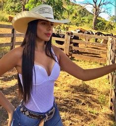Country Girl Pictures, Hot Country Girls, Country Girls Outfits, Country Girl Style, Country Women, Foto Cowgirl, Estilo Cowgirl, Summer Cowgirl Outfits, Rodeo Outfits