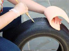 Enfim consegui organizar as fotos para colocar aqui no blog, ensinando o passo a passo do pufe de pneu. Aqui ensinaremos a fazer com um pne...