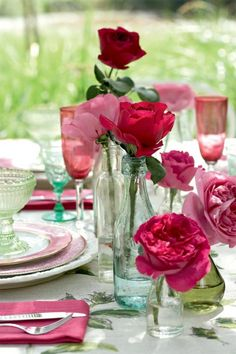 50 ideas for table decoration Garden party among friends - examples that will take you further - Garden Design Ideas House Party, Garden Design, Glass Vase, Blog, Table Decorations, Ideas Party, Celebrations, Garden Ideas, Home Decor