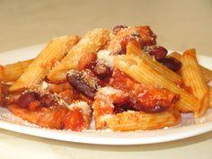 Penne cu fasole roşie Penne, Waffles, Bacon, Pizza, Meals, Chicken, Breakfast, Recipes, Food