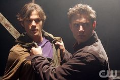 "Supernatural"" Image # SN101-6733 Pictured (l-r): Jared Padelecki as Sam, Jensen Ackles as Dean Photo Credit: © The WB / Justin Lubin"