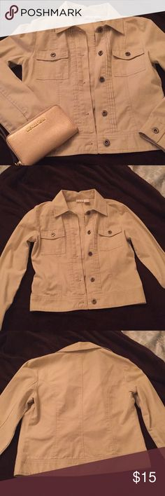 Khaki Jacket by Rubbish This khaki jacket is perfect for throwing on when it's a little chilly out. It's been barely worn, but has a small stain on one sleeve that's barely noticeable (see last picture). Other than that, it's in great condition! 🍂 Rubbish Jackets & Coats Utility Jackets
