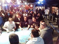 Finale de Ligue Française de Poker > -Lien du Coverage Day 1A  -lien des photos en direct du Cercle multicolore, il reste 39 joueurs pour le Day 2 >>Place au Day1B pour nous ce soir 21h