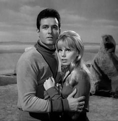 Mark Goddard & Marta Kristen, Lost in Space, season Space Tv Series, Space Tv Shows, Sci Fi Tv Shows, Old Tv Shows, Marta Kristen, Space Hero, 2001 A Space Odyssey, Tv Girls, Fantasy Tv