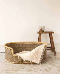 MINZI Handwoven Dog Basket – Beaumont Organic Small French Bulldog, All Breeds Of Dogs, Large Dogs, Dog Toys, Wicker Baskets, Decoration, Labradoodle, Goldendoodles, Hand Weaving