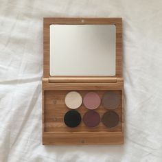 ZERO WASTE VEGAN MAKE-UP ELATE COSMETICS REVIEW Eco Beauty, Clean Beauty, Reuse Recycle, Recycling, Environmentalist, Discount Makeup, Natural Cosmetics, Sustainable Products, Sustainable Living