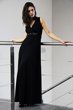 Elisa Cortés-Colección Elisa Cortés Black, Dresses, Fashion, Winter, Vestidos, Moda, Black People, Fashion Styles, Dress