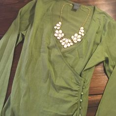 Green top Perfect for work! Ann Taylor Tops