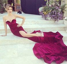 Gown Inspiration for Festival de Cannes Classy Prom Dresses, Dressy Dresses, Strapless Dress Formal, Glamour Dresses, Strapless Corset, Stunning Dresses, Beautiful Outfits, Beautiful Clothes, Nyc Fashion