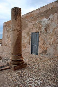 Villa (Silin) Sileen, Libya.    Unprotected Roman Mosaic on the external terrace