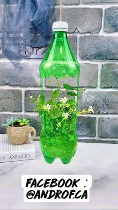 Diy Crafts Hacks, Diy Home Crafts, Diy Arts And Crafts, Garden Crafts, Garden Ideas With Plastic Bottles, Plastic Bottle Crafts, Bottle Garden, Diy Bottle, House Plants Decor