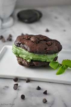 ... Mint Ice Cream Sandwich - VEGAN and made with spinach and Spirulina