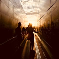 69 Ideas for sunset photography people sky Sunset Photography, People Photography, Color Photography, Digital Photography, Photography Tricks, The Art Of Storytelling, Creativity Exercises, Photo Series, Black Walls