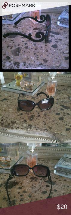 "PRADA Look-alike Dark Sunglasses ""Prada Pattys"" Great sunglasses. Worn only a couple of times. No scratches. Originals as seen on Savanna Chris Leyland from ""Chrislet knows Best"" Prada look-alike Accessories Sunglasses"