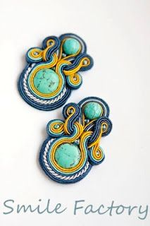Handmade embroidered soutache earrings.