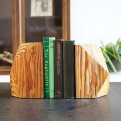 Reclaimed Wood | 22 Bookends to Keep Your Books in Line