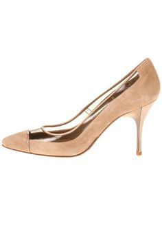 Donald J Pliner Bella Pump