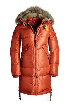 This coat looks so warm.. A must have for next winter..