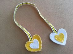 DIY Felt Heart Bookmark