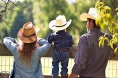 This is definitely one that I would do with the entire family :) (Photos By Courtney photography) Western Photography, Cute Photography, Family Photography, Family Posing, Family Portraits, Baby Pictures, Cute Pictures, Family Pictures, Western Family Photos