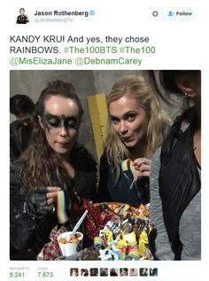 They chose rainbows! The 100 Cast, The 100 Show, It Cast, Lexa The 100, The 100 Clexa, Clarke E Lexa, Pretty Little Liars, Gossip Girl, The 100 Quotes