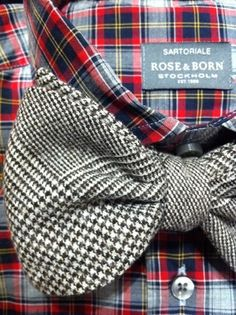 Noeud papillon - Bow Tie - combination of texture and pattern Sharp Dressed Man, Well Dressed Men, National Tartan Day, Der Gentleman, Suit And Tie, Tartan Plaid, Men Looks, Swagg, Houndstooth