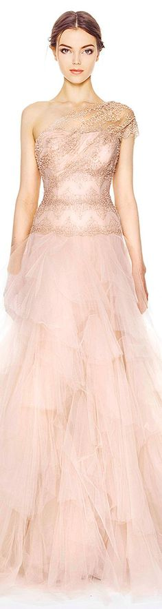 Love this blush pink dress! An absolute favorite of mine! Wedding dress by Marchesa Pre-Fall 2014 Beautiful Gowns, Beautiful Outfits, Gorgeous Dress, Beautiful Eyes, Evening Dresses, Prom Dresses, Formal Dresses, Traje Black Tie, Mode Glamour