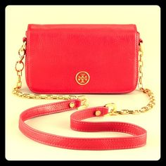 Beautiful Red Tory Burch Robinson Crossbody Absolutely gorgeous almost brand new Tory burch Robinson cross body purse! A deep red genuine leather bag with gold hardware. I have the same one in black and its big enough to fit my big wallet, make up, and my phone! Theres also a pocket on the back which can hold more items. Approx. 8 inch L x 5.5 inch H x 2 inch W. Open to trades and offers! ❤️ Tory Burch Bags Crossbody Bags