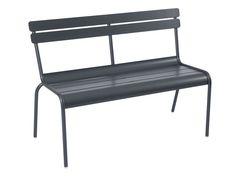 Découvrez nos nouveautés mobilier et accessoires #carbone pour cet été ! #déco #jardin #chaise #table #design #fermob #gris